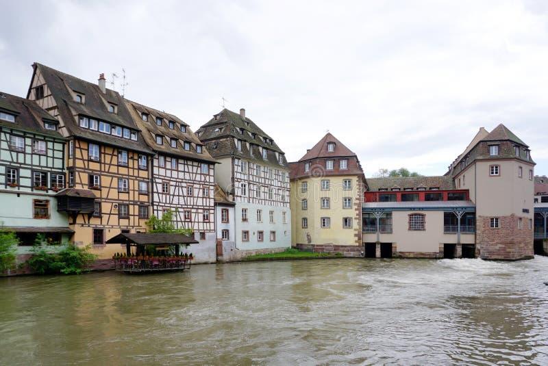 Όμορφο κτήριο στην παλαιά πόλη του Στρασβούργου στοκ φωτογραφία με δικαίωμα ελεύθερης χρήσης