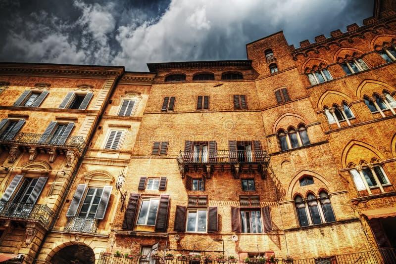 Όμορφο κτήριο στη Σιένα στο hdr στοκ φωτογραφία