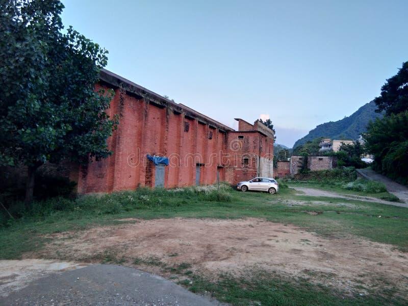 Όμορφο κόκκινο παλαιό σπίτι θέσεων στοκ φωτογραφία με δικαίωμα ελεύθερης χρήσης