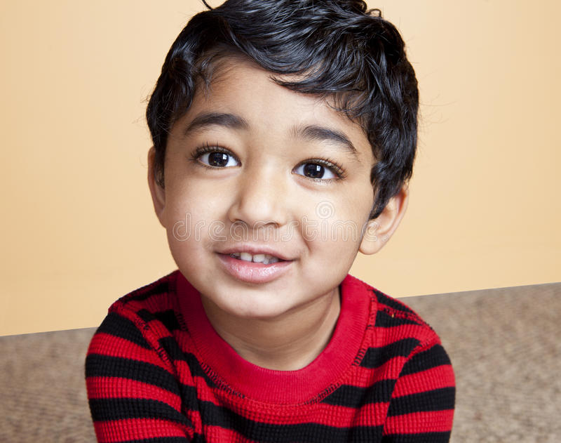 Download όμορφο μικρό παιδί πορτρέτο&up Στοκ Εικόνες - εικόνα από childhood, πορτοκάλι: 17058298