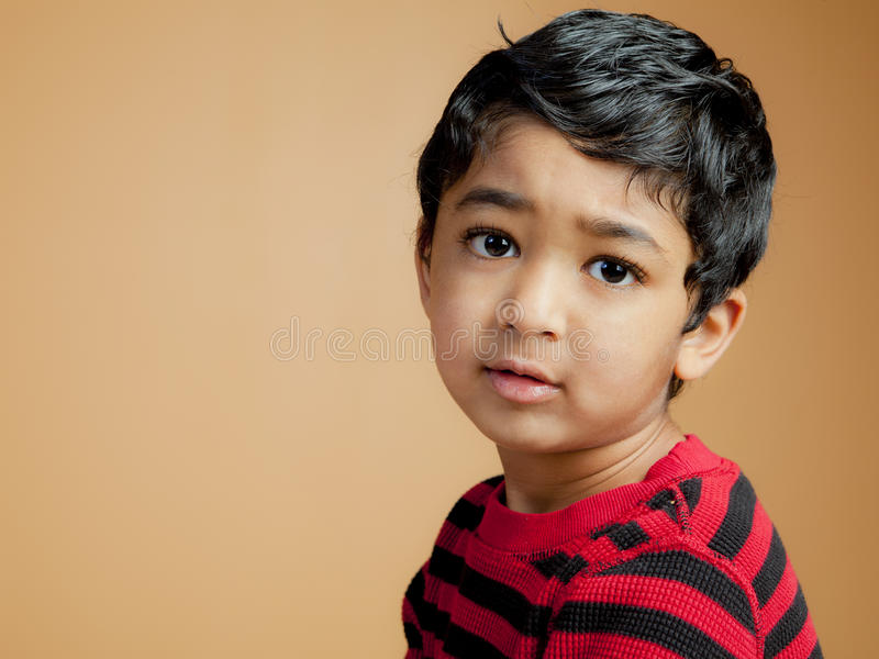όμορφο μικρό παιδί πορτρέτο&up στοκ φωτογραφίες