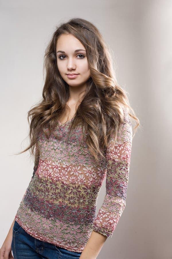 όμορφο μοντέρνο μοντέλο brunette στοκ φωτογραφίες με δικαίωμα ελεύθερης χρήσης
