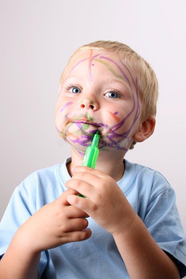 όμορφο ξανθό αγόρι στοκ φωτογραφία με δικαίωμα ελεύθερης χρήσης