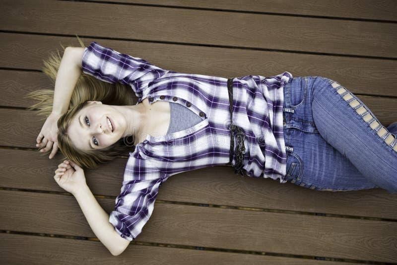όμορφο ξανθό μοντέλο στοκ εικόνες με δικαίωμα ελεύθερης χρήσης