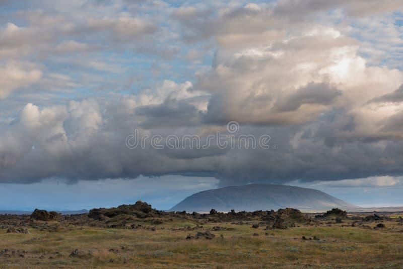 Όμορφο πανόραμα του καταπληκτικού ηφαιστειακού mossy τοπίου Eldhraun στοκ φωτογραφίες με δικαίωμα ελεύθερης χρήσης