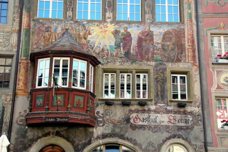 Όμορφο παράθυρο και νωπογραφία σε μεσαιωνικό Stein AM Ρήνος στοκ φωτογραφία με δικαίωμα ελεύθερης χρήσης