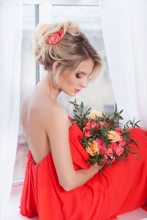 όμορφο πορτρέτο νυφών γάμος κατάταξης τεμαχίων φορεμάτων στοκ φωτογραφίες