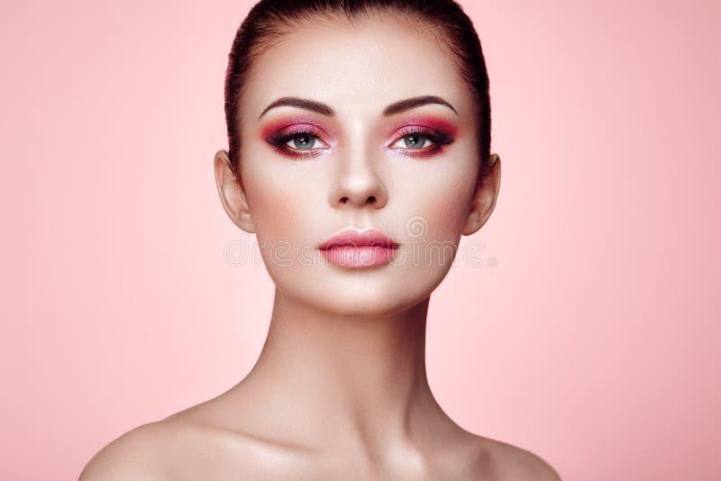 Όμορφο πρόσωπο γυναικών στοκ εικόνες με δικαίωμα ελεύθερης χρήσης