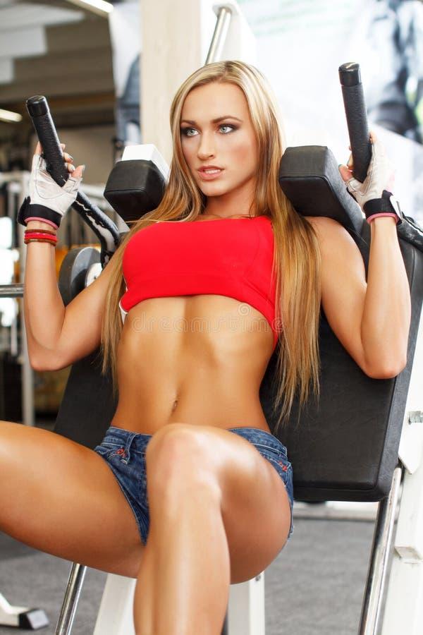 Όμορφο πρότυπο ικανότητας workout στοκ φωτογραφίες με δικαίωμα ελεύθερης χρήσης