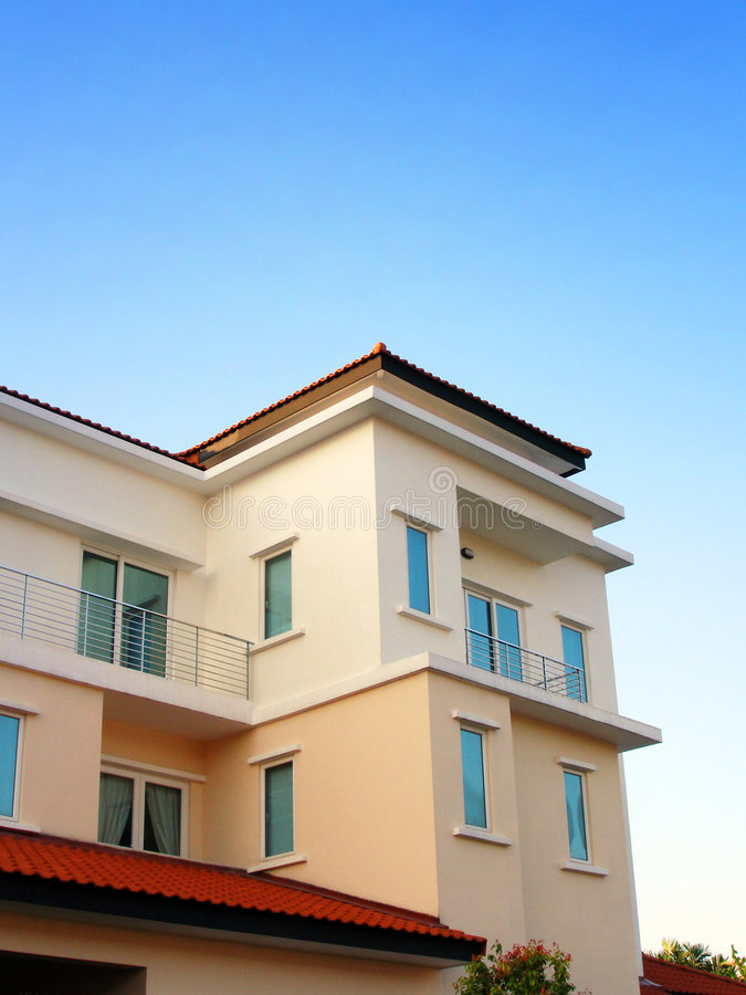 όμορφο σπίτι μπανγκαλόου ν στοκ εικόνες