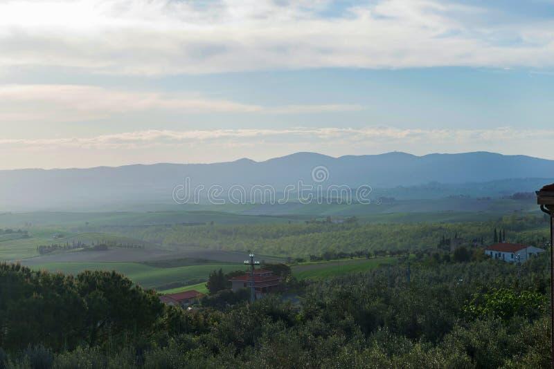 Όμορφο τοπίο άνοιξη στην Τοσκάνη στοκ εικόνες