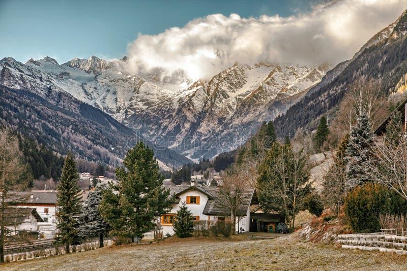 Όμορφο τοπίο βουνών από την κοιλάδα Fleres, κοντά στο πέρασμα Brenner, Ιταλία στοκ φωτογραφία