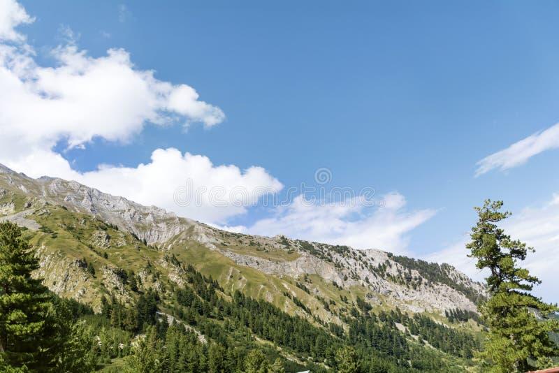 Όμορφο τοπίο βουνών από τη Βουλγαρία, λόφοι Pirin στοκ εικόνα