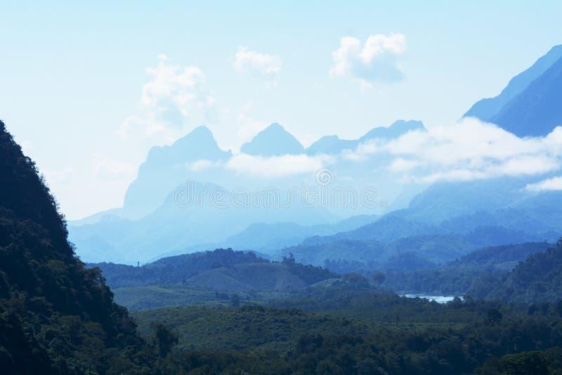 Όμορφο τοπίο επαρχίας του βόρειου Λάος στοκ φωτογραφία