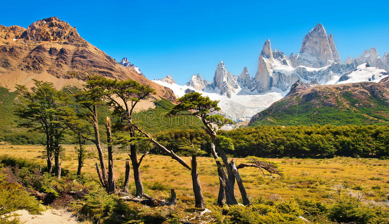 Όμορφο τοπίο με την ΑΜ Fitz Roy στο εθνικό πάρκο Los Glaciares, Παταγωνία, Αργεντινή, Νότια Αμερική στοκ εικόνες