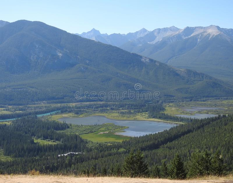 Όμορφο τοπίο μιας από την Αλάσκα κοιλάδας στοκ εικόνες