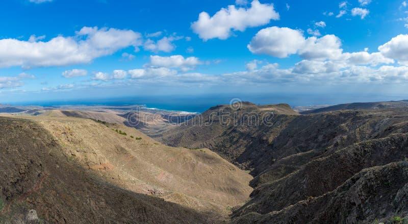 Όμορφο τοπίο νησιών Lanzarote, καναρίνι, Ισπανία στοκ εικόνες