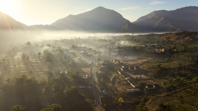 Όμορφο του χωριού τοπίο Sembalun στο χρόνο πρωινού στοκ εικόνα