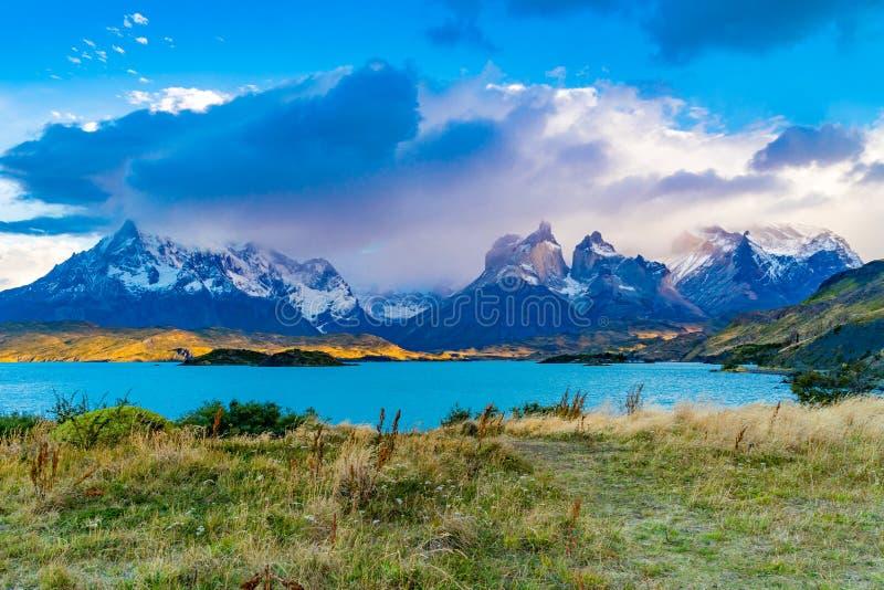 Όμορφο φυσικό τοπίο εθνικό Park Torres del Paine στοκ εικόνες