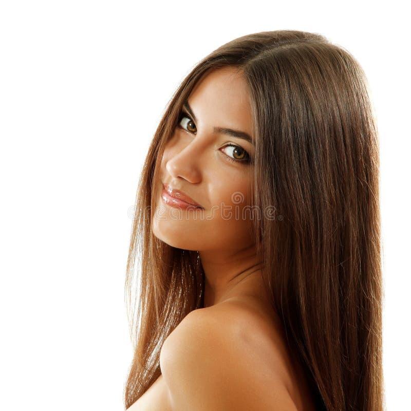 Όμορφο χαμογελώντας κορίτσι, θηλυκή κινηματογράφηση σε πρώτο πλάνο προσώπου, που απομονώνεται στο λευκό στοκ φωτογραφίες