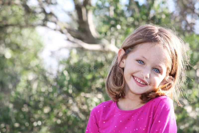 όμορφο χαμόγελο παιδιών στοκ εικόνα με δικαίωμα ελεύθερης χρήσης