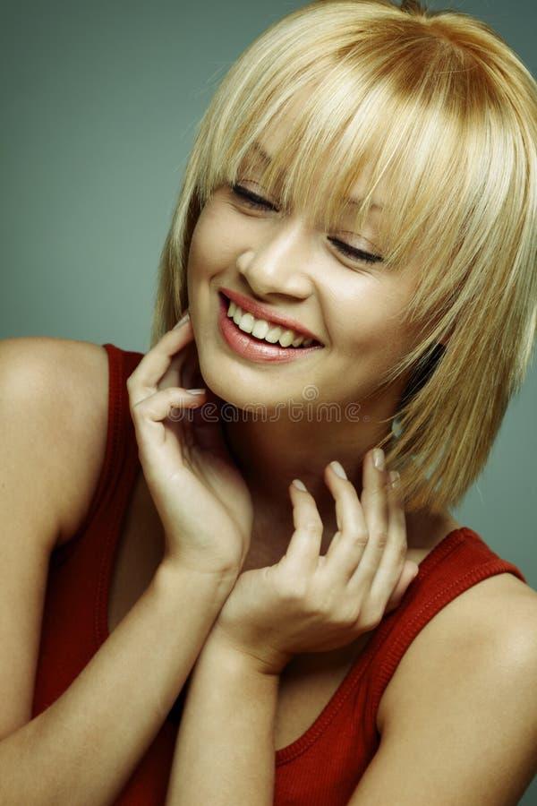 όμορφο χαμόγελο πορτρέτου κοριτσιών στοκ φωτογραφία με δικαίωμα ελεύθερης χρήσης