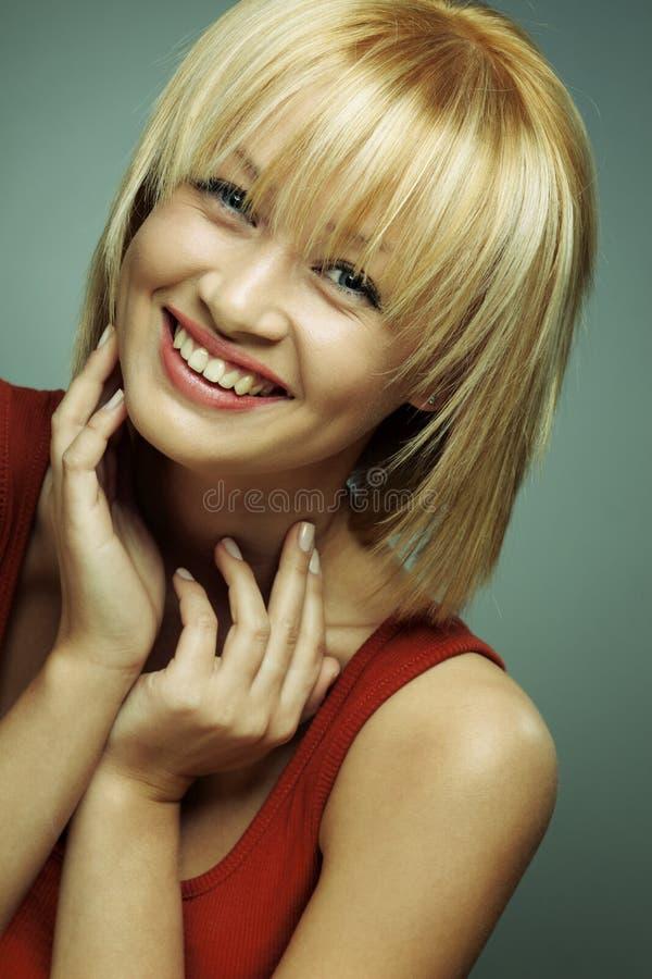 όμορφο χαμόγελο πορτρέτου κοριτσιών στοκ εικόνες με δικαίωμα ελεύθερης χρήσης
