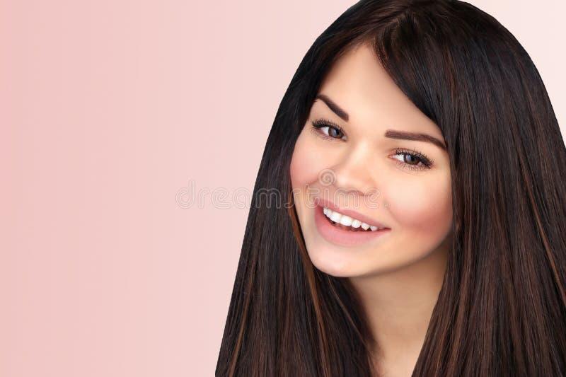 όμορφο χαμόγελο πορτρέτο& στοκ φωτογραφία με δικαίωμα ελεύθερης χρήσης