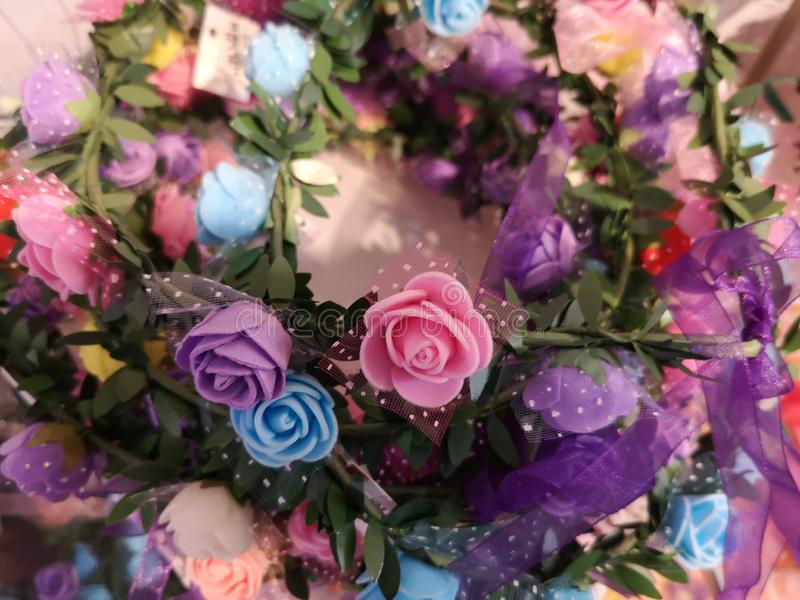 Όμορφο χρώμα για την τεχνητή επίδειξη τριαντάφυλλων για το σπίτι και το εσωτερικό σχέδιο στοκ εικόνες
