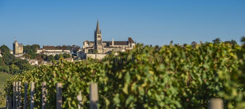 Όμορφο χωριό ανατολής Αγίου Emilion, αμπελώνας, Gironde στοκ εικόνες