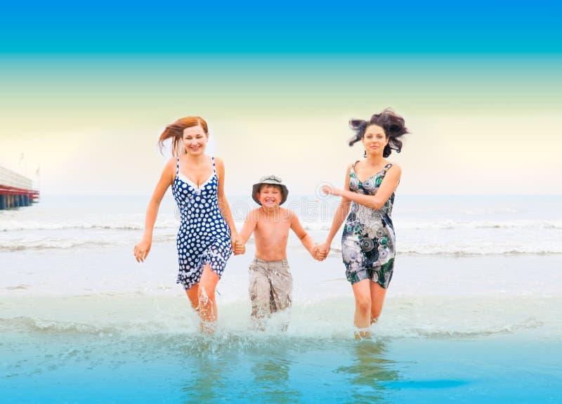 όμορφο ωκεάνιο τρέξιμο αν&theta στοκ φωτογραφία με δικαίωμα ελεύθερης χρήσης