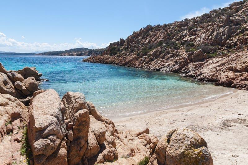 Όμορφο Cala Coticcio στο ιταλικό νησί Caprera στοκ φωτογραφία
