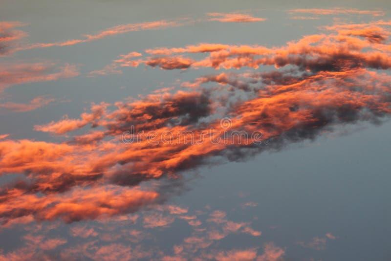 Όμορφο clound και ζωηρόχρωμος ουρανός στοκ φωτογραφία με δικαίωμα ελεύθερης χρήσης