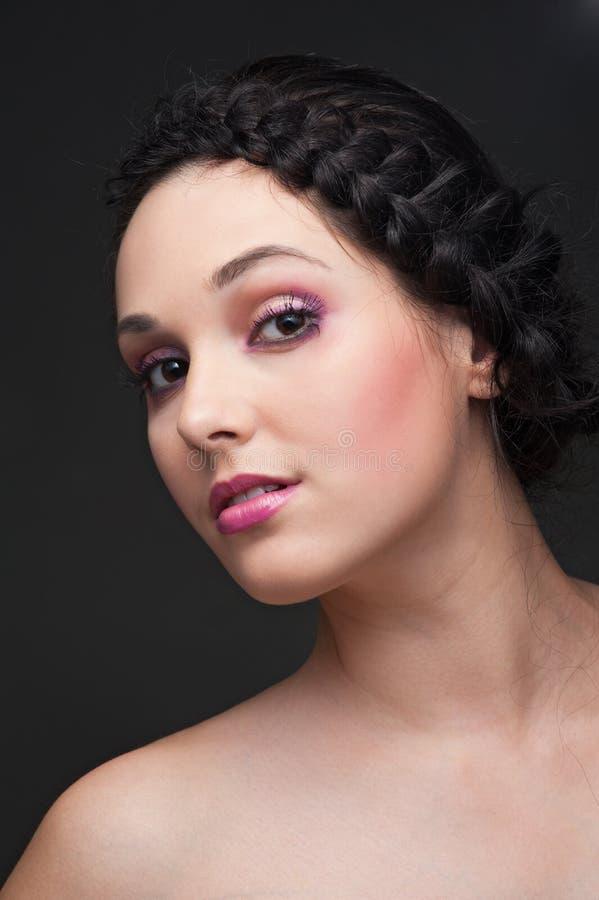 όμορφο hairdo brunette στοκ εικόνα