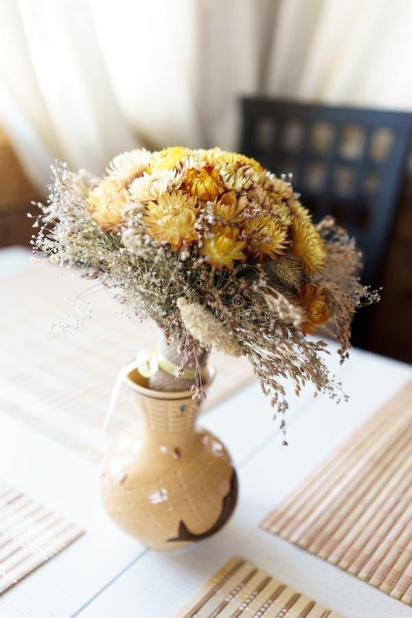 όμορφο vase λουλουδιών στοκ φωτογραφία