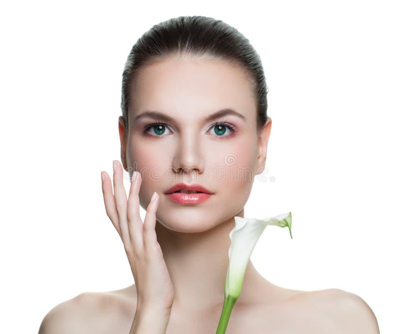 Όμορφο woman spa πρότυπο που απομονώνεται στο άσπρο υπόβαθρο Νέο θηλυκό πρόσωπο Του προσώπου επεξεργασία, Cosmetology, ομορφιά, S στοκ φωτογραφίες με δικαίωμα ελεύθερης χρήσης