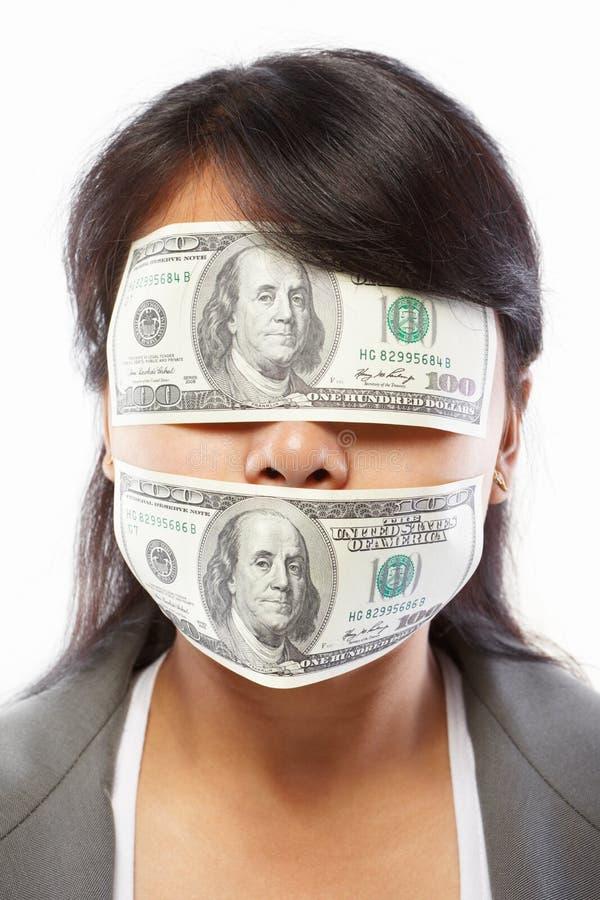 όντας τυφλωμένα χρήματα επ&iota στοκ φωτογραφίες