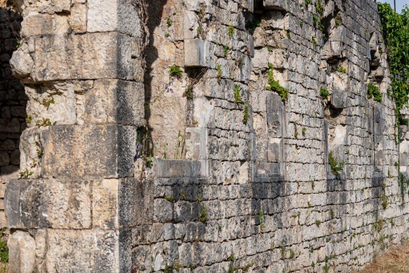 όπως η ανασκόπηση είναι μπορεί φρούριο να απεικονίσει το χρησιμοποιημένο τοίχο στοκ εικόνα