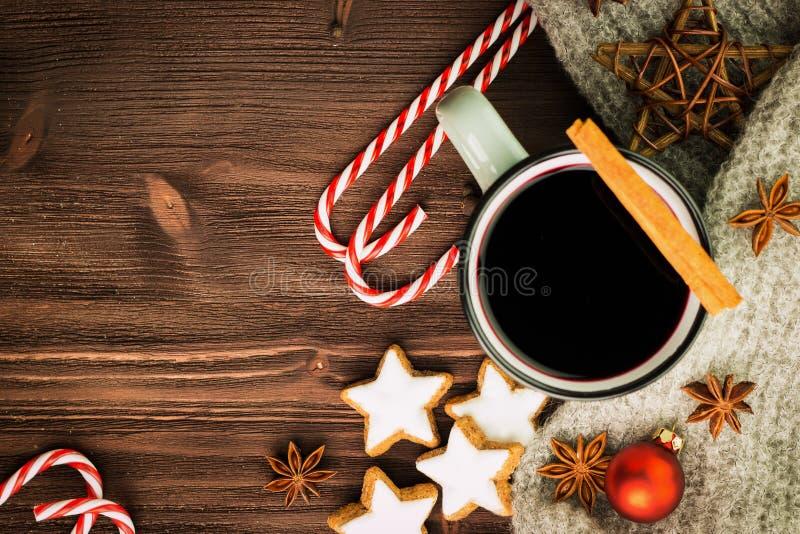 όπως η ανασκόπηση είναι μπορεί χρησιμοποιημένος θέμα χειμώνας απεικόνισης Καυτό βράζοντας στον ατμό φλυτζάνι glint του κρασιού με στοκ εικόνα με δικαίωμα ελεύθερης χρήσης
