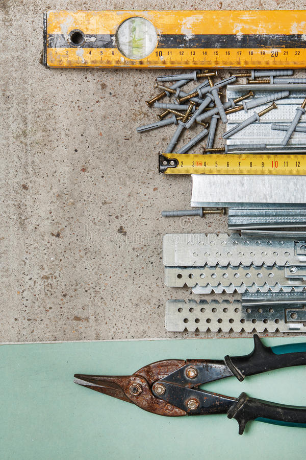 Όργανα για την κατασκευή τοίχοι μιας γυψοσανίδας στοκ φωτογραφίες με δικαίωμα ελεύθερης χρήσης