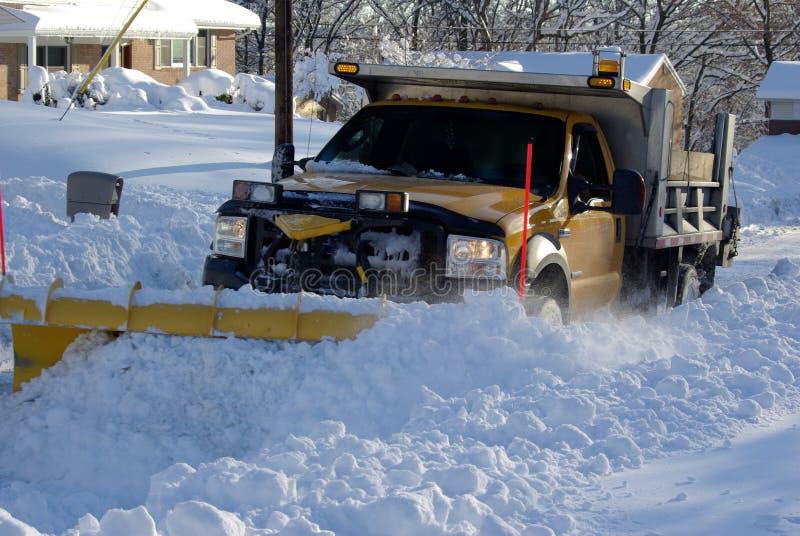 Όργωμα του χιονιού στοκ φωτογραφίες με δικαίωμα ελεύθερης χρήσης