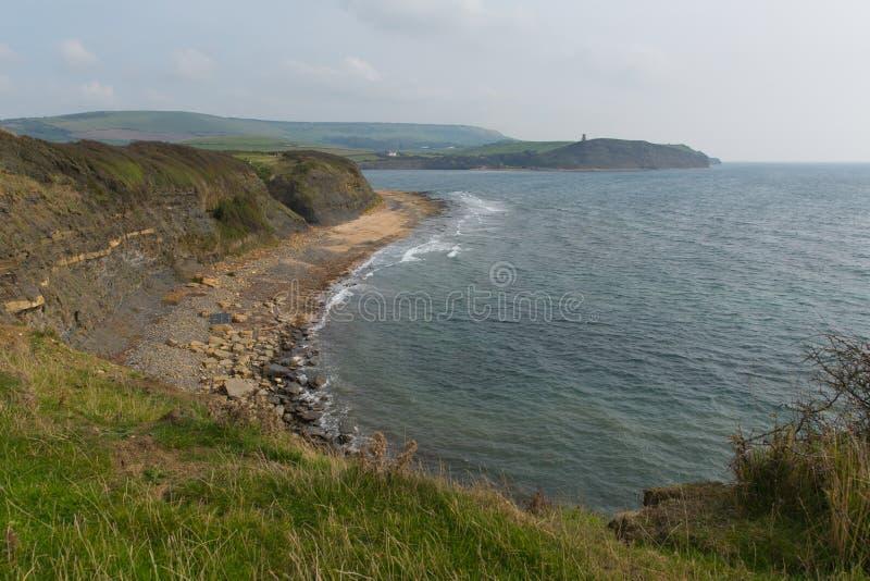 Όρμος UK Lulworth κόλπων Kimmeridge ακτών του Dorset ανατολικά προς τον πύργο Clavell στοκ εικόνες