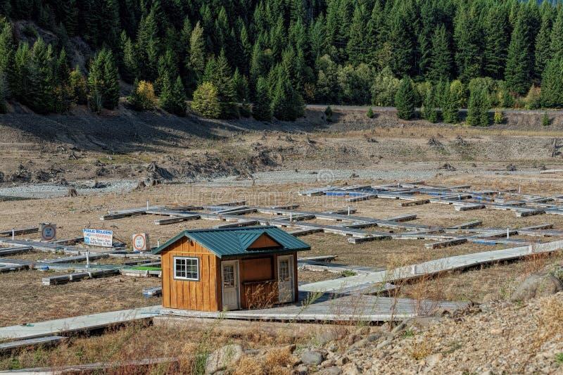 Όροι ξηρασίας στη λίμνη του Ντιτρόιτ, Όρεγκον στοκ εικόνα με δικαίωμα ελεύθερης χρήσης