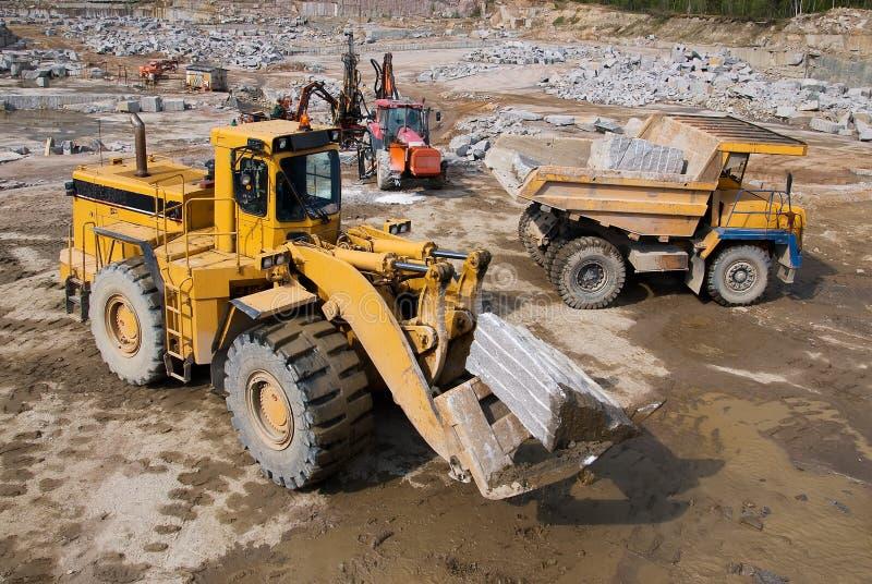 όχημα ανασκαφής απορρίψεων στοκ εικόνες