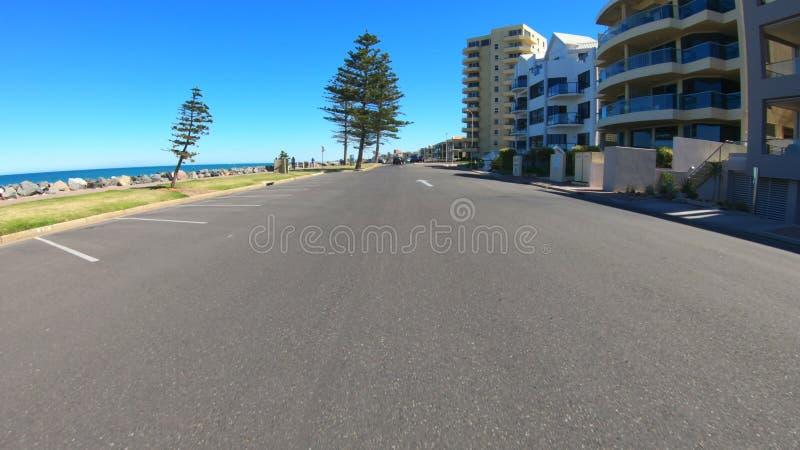 Όχημα POV, που οδηγεί κατά μήκος Esplanade σε Glenelg, Νότια Αυστραλία στοκ εικόνα με δικαίωμα ελεύθερης χρήσης