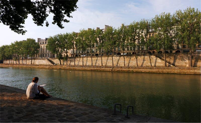 Όχθεις του ποταμού του Σηκουάνα στο Παρίσι στοκ φωτογραφία