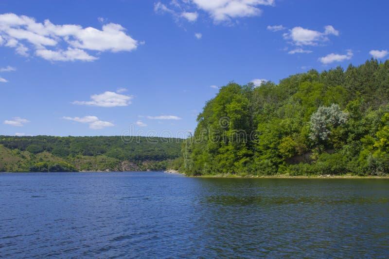 Όχθη ποταμού στοκ φωτογραφία με δικαίωμα ελεύθερης χρήσης