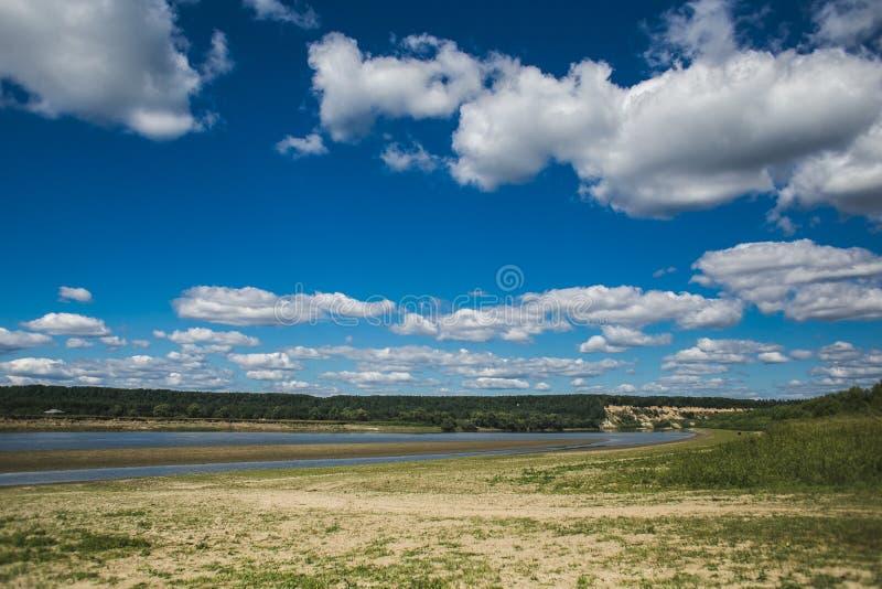 Όχθη ποταμού στοκ εικόνα με δικαίωμα ελεύθερης χρήσης
