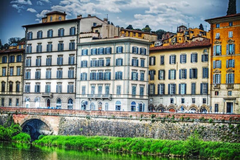 Όχθη ποταμού Arno στη Φλωρεντία στοκ εικόνες