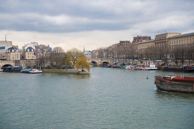όψη απλαδιών του Παρισιού στοκ φωτογραφία με δικαίωμα ελεύθερης χρήσης